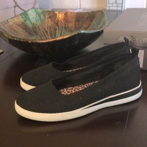 Gently used Walking Shoes Size 9.5